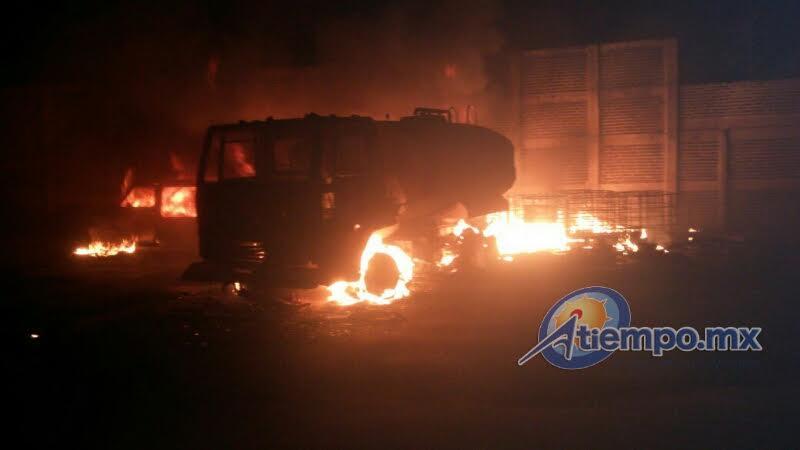 La emergencia fue atendida por la ABEM, Delegación Puruándiro, así como por elementos de la Policía Municipal de Puruándiro (FOTOS: FRANCISCO ALBERTO SOTOMAYOR)