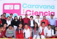 Elías Ibarra convocó a los estudiantes de Huetamo a aprovechar al máximo estas actividades y agradeció a las autoridades estatales que se pusiera en marcha la Caravana de la Ciencia, la cual sin duda contribuye al desarrollo de los escolapios y a su formación
