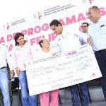 También pone en marcha la obra de mejoramiento de la Jefatura de Tenencia, que tendrá una inversión de más de 700 mil pesos y otorga herramientas para las auxiliares de salud de tres comunidades