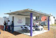 La directora del IJUM, Ana Cristina Prado, y Alejandro Amante, director del Colegio de Morelia, inauguraron un comedor para los alumnos de la Escuela Secundaria Técnica no. 155, ubicada en el Interior del Fraccionamiento Arko San Antonio