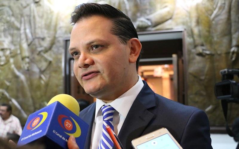 """En otro tema, Gómez Trujillo aseguró que su partido continuará impulsando la demanda de disminuir en un 50% el IEPS para revertir el """"gasolinazo"""""""