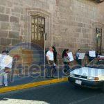 Los manifestantes son integrantes de la Organización Estatal Independiente de Padres de Familia, que encabeza el profesor Delfino Paredes (FOTO: FRANCISCO ALBERTO SOTOMAYOR)