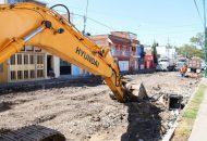 Sosa Tapia recordó que en este tramo en el que se realizan los trabajos, se invierten más de 21 millones de pesos y forma parte de la primera etapa de la rehabilitación de la calle Iretiticateme