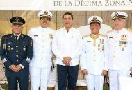 El mandatario reconoció la labor del vicealmirante Luis Mario Ramón Bravo Román, quien durante su responsabilidad como comandante en esta Zona, abonó a la transformación del estado a través de las acciones de la Marina en el puerto