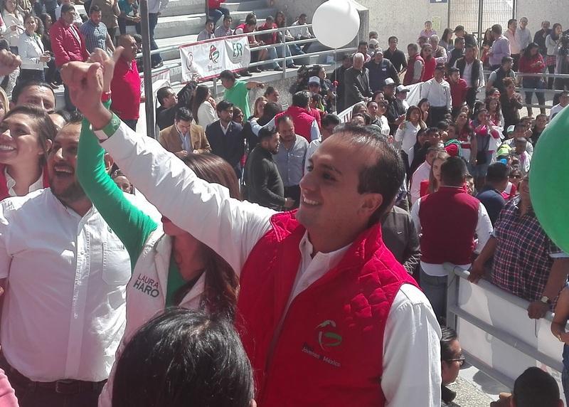 El nuevo presidente de la Red de Jóvenes por México pidió pensar positivamente e hizo una invitación a todos los jóvenes a participar en todas las actividades