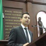 Otros diputados como Ernesto Núñez y Roberto Carlos, del Partido Verde y PRI, respectivamente, coincidieron con el diputado perredista, de que las presiones sociales incidieron en la determinación de aplazar el incremento en el costo de los combustibles