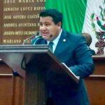 Para Puebla Arévalo, el gobierno federal trata de subestimar la inteligencia de los mexicanos, diciendo que la reforma energética no está vinculada al gasolinazo, sino que es una suerte de la volatilidad inherente a los mercados