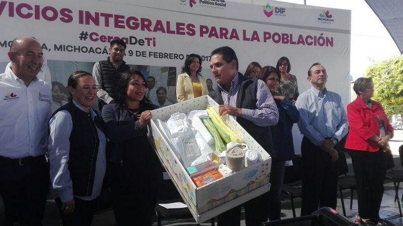 Silvano Aureoles instruyó a los funcionarios de su gabinete a realizar un plan estratégico de las zonas más necesitadas de Morelia para comenzar a trabajar y se comprometió a dedicarle un día a la semana personalmente a dichos lugares