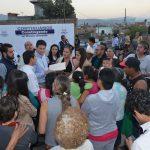 Tras el arranque oficial, Martínez Alcázar, recorrió el lugar y pudo constatar el avance que tiene esta obra; asimismo convivió con los vecinos y externó su compromiso de continuar ayudando a los habitantes del poniente de la ciudad