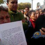 Los manifestantes indicaron que el primer compromiso fue pagar el 15 de enero, después el 31 de enero y finalmente el 10 de febrero, sin que se haya cumplido en ninguno de los casos (FOTO: MARIO REBOLLAR)