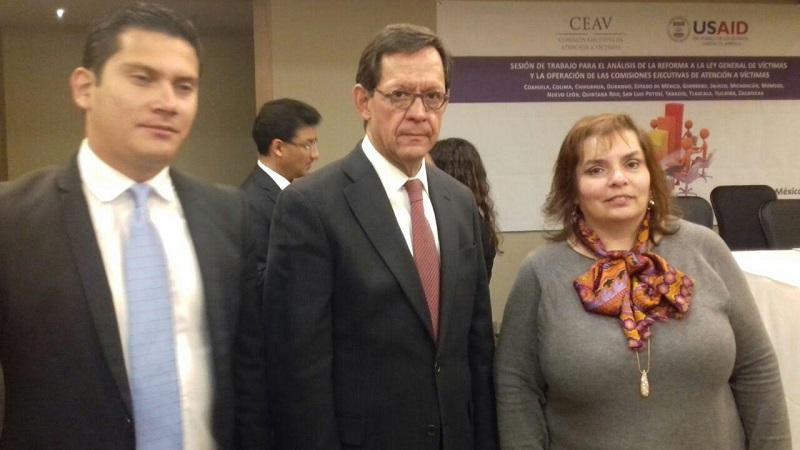 Los comisionados michoacanos Selene Vázquez Alatorre, Salvador Ceja Barrera y Abraham Montes Magaña asistieron a este foro en el que participan sus homólogos de varios estados del país