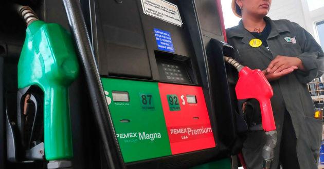 """El portal de Radio Fórmula difunde que """"gente cercana a la Secretaría Hacienda adelantó de manera no oficial, que anunciarían mantener congelado el precio de la gasolina todo el año"""""""