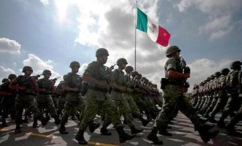 Lo anterior, en el marco del Día del Ejército Mexicano, y para destacar la labor de las fuerzas castrenses, en la defensa de la integridad, la independencia y la soberanía de la nación, así como por su participación en de auxilio de la población civil en casos de necesidades públicas