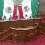 Los diputados que se abstuvieron fueron los integrantes de la bancada panista, a reserva del diputado, Miguel Ángel Villegas Soto, quien voto en contra
