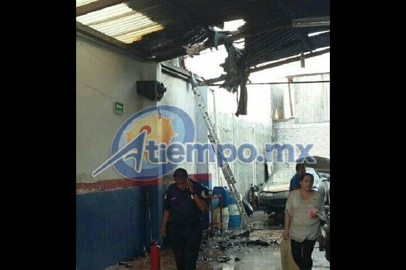 """Las afectaciones se registraron en el establecimiento comercial conocido como """"Afimich"""" (FOTOS: FRANCISCO ALBERTO SOTOMAYOR)"""