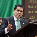 La propuesta que presenta el diputado Ernesto Núñez, busca de una manera igualitaria, el reducir de 24 a 20 diputados electos por mayoría relativa, y de 16 a 10 diputados electos por mayoría proporcional, garantizando una disminución equilibrada en ambos sistemas
