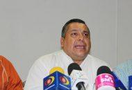 El dirigente estatal del Partido del Trabajo, Reginaldo Sandoval Flores aseguró que detrás de este tema existe un móvil político en el que está relacionado el gobernador del Estado (FOTO: Mario Rebollar)