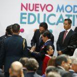 """""""Michoacán va con todo por la educación"""", dijo Aureoles Conejo, quien aplaudió este logro que representa la participación y consenso de todos los sectores involucrados en el proceso lectivo"""