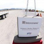 De acuerdo con la empresa, actualmente tiene una capacidad de producción de 45 millones de metros cuadrados de loseta cerámica al año, lo que equivale a 6,400 veces el Estadio Azteca