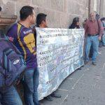 El secretario del ayuntamiento, Jesús Ávalos Plata, sostuvo un breve acercamiento tras el cual acordaron reunirse próximo jueves a las 11 de la mañana