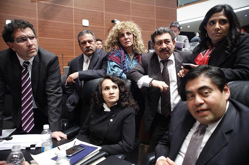 """Aunque Raúl Morón y Dolores Padierna, son igual que Miguel Barbosa, simpatizantes de López Obrador, lo cierto es que como pasa en la autodenominada """"izquierda mexicana"""", a cada quién nada más le interesa jalar agua para su molino"""