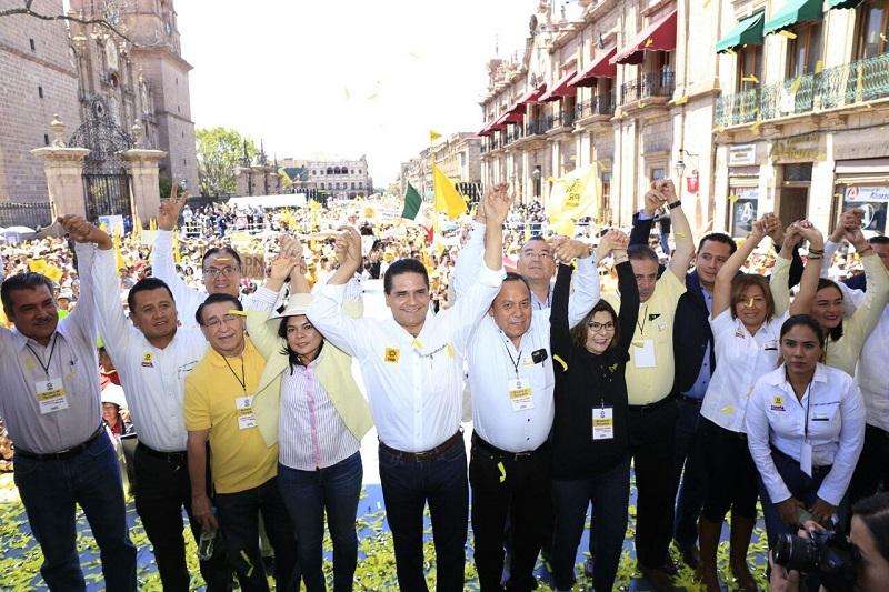 Más de 30 mil personas se dieron cita en la capital michoacana para conmemorar el LXXIX Aniversario de la Expropiación Petrolera