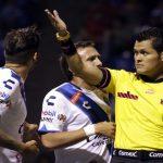 El juez central le inválido un gol a los locales anotado por Míguez, lo que impidió que se fueran al frente en el marcador