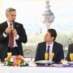 Por su parte, el alcalde de Morelia, Alfonso Martínez, anticipó que la intención del acuerdo de este miércoles es establecer una alianza estratégica entre ciudades que comparten características similares en prácticas de gobierno