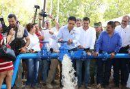 En su gira, Aureoles Conejo inauguró también la perforación del pozo profundo, equipamiento y distribución de agua potable en la tenencia de San Antonio La Labor