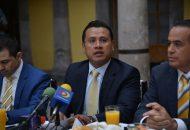 """Torres Piña enfatizó que estas iniciativas responden a la línea política y los principios del PRD, de """"cero tolerancia a la corrupción"""""""