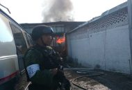 El incendio se reportó a las 8:45 horas, en una bodega ubicada en la calle Felipe González Páramo, mismo que rápidamente se propagó y afectó a otra bodega aledaña