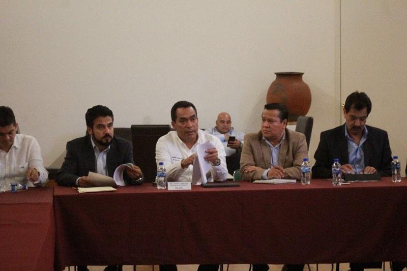 López Solís, señaló que las reuniones se sostendrán de manera permanente, tanto en las comunidades como en las propias dependencias estatales para seguir avanzando con hechos concretos y supervisar los avances