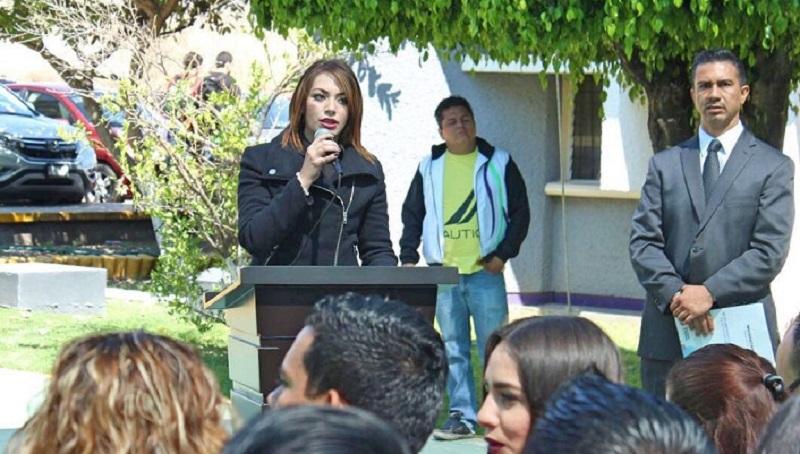Estephany Santiago Fernández, titular de Coespo, pidió el apoyo de los jóvenes y padres de familia para que se conviertan en factor de cambio y en conjunto, sociedad y gobierno, proponer y exigir un Michoacán mejor