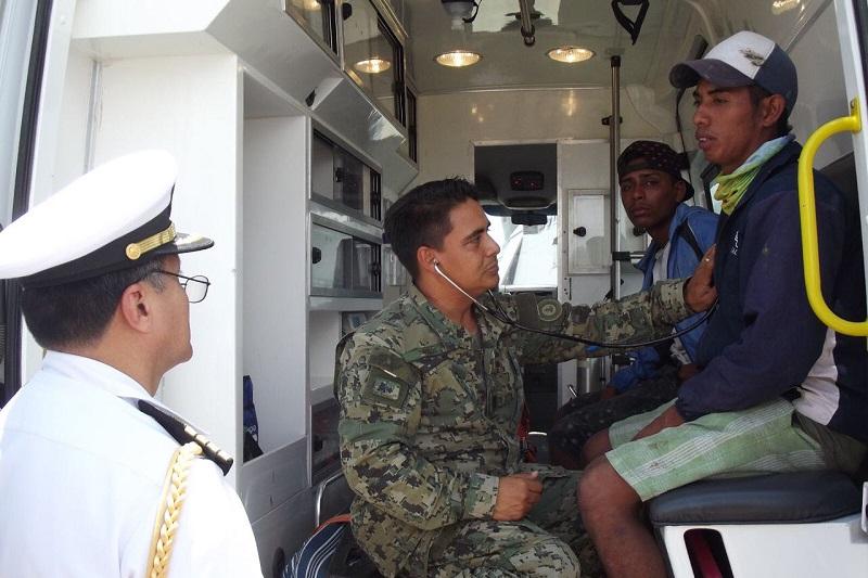 Tras la localización de la embarcación se brindaron los primeros auxilios a los náufragos, para posteriormente ser trasladados a las instalaciones de la Décima Zona Naval donde fueron valorados por personal médico de la Armada de México