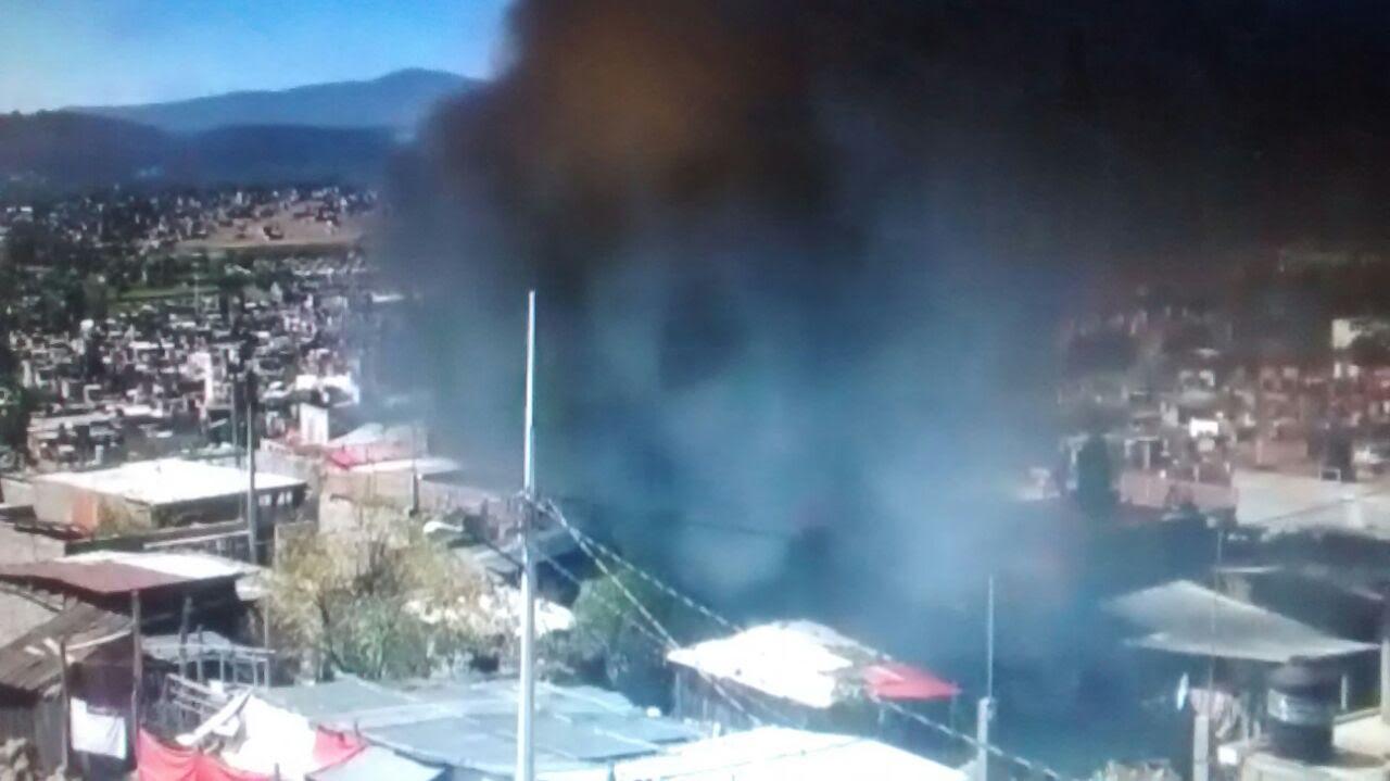 Se incendian varias casas en ciudad jard n de morelia a for Casas en ciudad jardin
