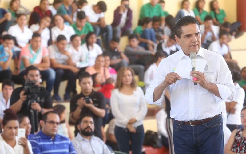El mandatario estatal señaló que a pesar de la escasez de recursos públicos, se realizan los esfuerzos necesarios para mejorar las condiciones y el bienestar de todos los ciudadanos