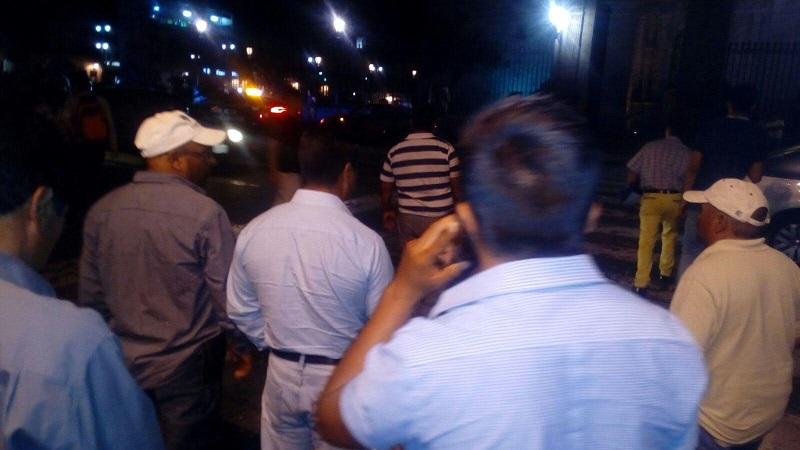 La tarde de este miércoles se registró un enfrentamiento en la citada comunidad indígena cuando policías antimotines ingresaron al pueblo con la intención de recuperar 19 camiones y autobuses que comuneros, maestros de la Sección XVIII de la CNTE y normalistas han robado a lo largo de los últimos días