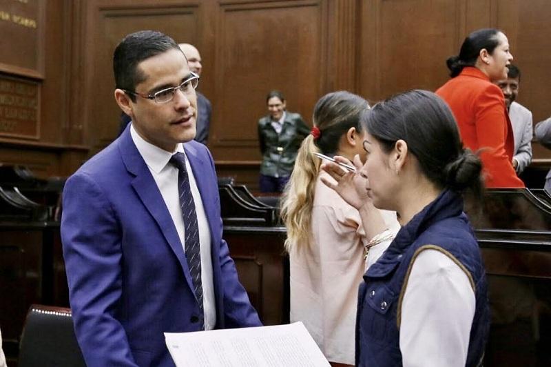 Villegas Soto explicó que serían sujetos de revocación de mandato el gobernador del estado, los diputados locales y los integrantes de los ayuntamientos