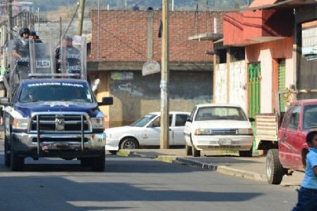 El despliegue operativo inició alrededor de las 15:00 horas, cuando elementos de la SSP y de la PGJE ingresaron desarmados a la comunidad y fueron agredidos con disparos de armas de fuego, accionadas desde diferentes puntos del cerro y del caserío