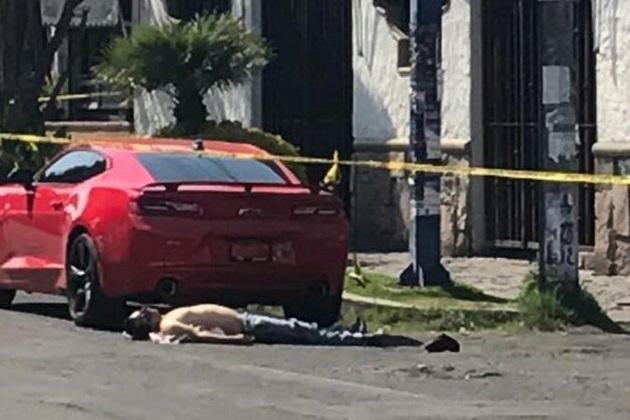 Al lugar arribaron paramédicos de la Cruz Roja, pero nada pudieron hacer para salvar la vida a la víctima (FOTOS: FRANCISCO ALBERTO SOTOMAYOR)