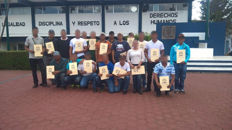 Además del ingreso de habitantes de comunidades indígenas a la Policía Michoacán, la SSP ha llevado a sus pobladores diversas opciones de empleo y actividades comunitarias que han permitido cambiar la imagen de los poblados y disminuir los índices delictivos