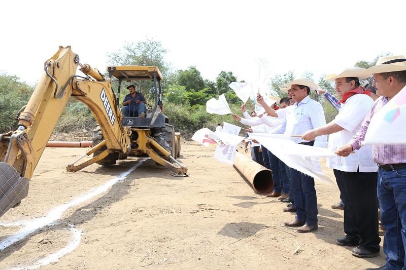 En gira de trabajo, Aureoles Conejo arranca construcción del Colector de Aguas Residuales, que tendrá un costo de 9.5 mdp