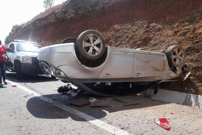 El accidente provocó el cierre parcial de la vialidad por aproximadamente una hora