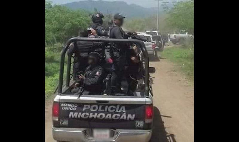 Las autoridades mantienen el hermetismo sobre el tema, pero se presume que los detenidos fueron trasladados mediante un fuerte operativo a la Delegación de la PGR en Morelia