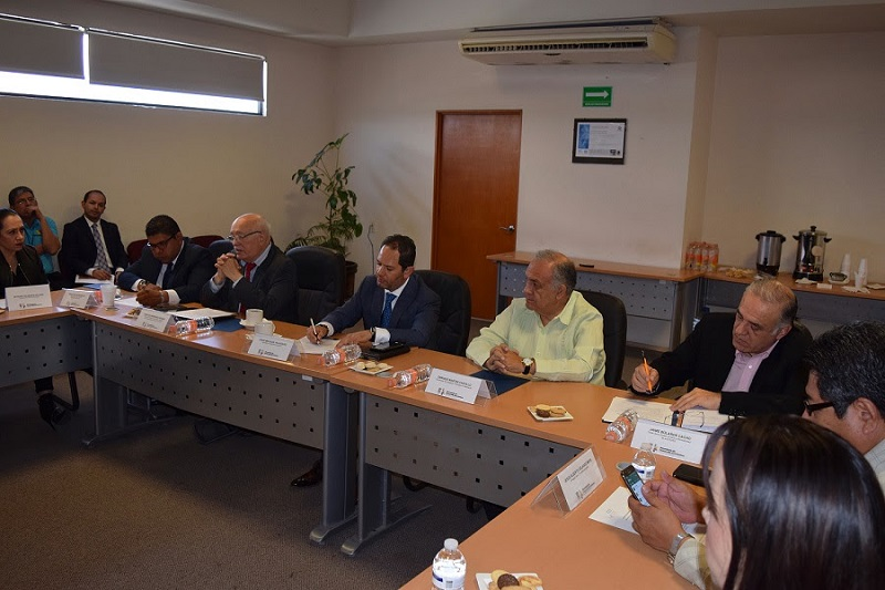 Durante el encuentro, David Colmenares destacó los avances que se tienen en el proyecto de las Zonas Económicas, a la vez que confió en el trabajo que realiza el Gobierno del Estado, a través de Sedeco, para lograr el objetivo común