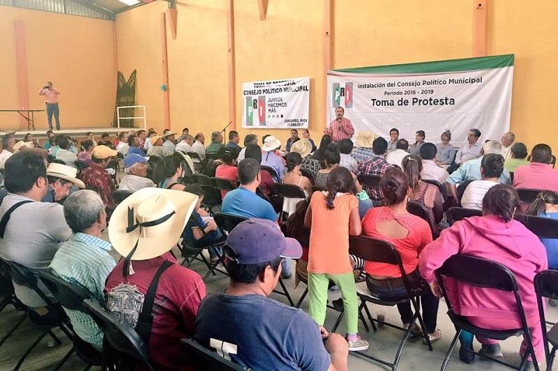 Silva Tejeda se dijo confiando en que el tricolor va a recuperar al Ayuntamiento de Jungapeo, porque al constituir su Consejo y comisiones fundamentales, el priismo se renueva iniciando una nueva etapa de unidad con el pie derecho