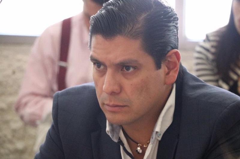 Núñez Aguilar dijo que su iniciativa traería un ahorro al Congreso Local, por ende, comentó que es necesario agilizar la propuesta, pues además se ahorraría en el personal que cada diputado tiene