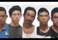 Los imputados se identificaron como Salvador G., Luis Fernando R., Juan Carlos R. y Juan Antonio R., a quienes se les encontró en sus pertenencias diferentes dosis de polvo blanco con características de cocaína