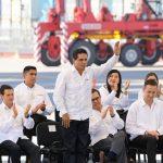 El mandatario michoacano aseguró que vienen tiempos mejores para los habitantes del puerto de Lázaro Cardenas