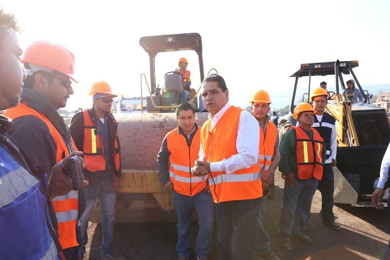 Silvano Aureoles dejó en claro que la intervención del camino Puruándiro - Villa Morelos forma parte del Programa de Reconstrucción de la Red de Caminos en el estado y lamentó que en años anteriores la ejecución de obras públicas se realizaba con materiales de mala calidad